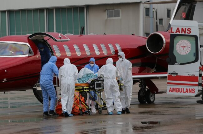 Rusya'dan iki Türk hasta yurda getirildi