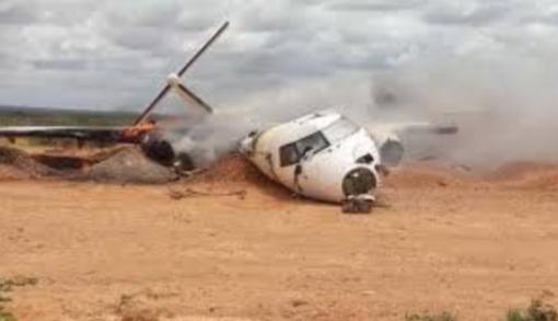 Somali'de yardım taşıyan kargo uçağı düştü