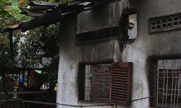 Endonezya'da yangın 382 aileyi evsiz bıraktı