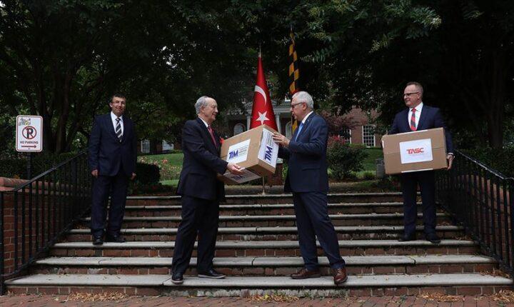 ABD'li vekilden Türk kurumlarına 'Kovid-19 yardımı' teşekkürü