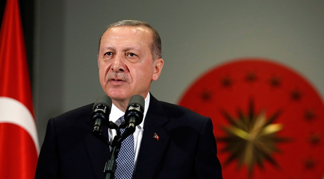 Cumhurbaşkanı Recep Tayyip Erdoğan, günübirlik çalışma ziyareti kapsamında gittiği Kuveyt ve Katar temaslarını tamamlayarak yurda döndü.