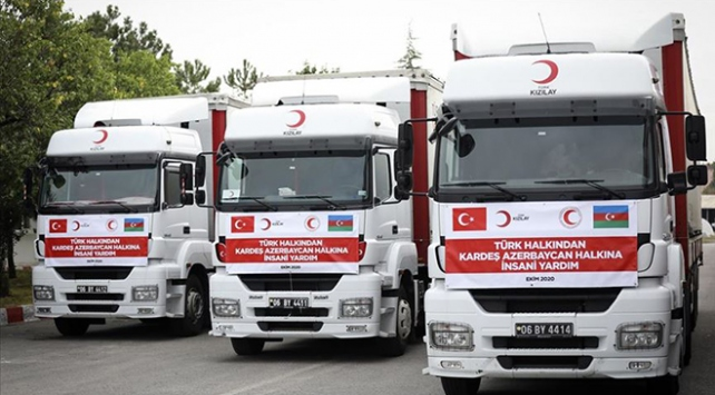 Türk Kızılayın, Dağlık Karabağ bölgesindeki çatışmalardan etkilenen bölge halkına ulaştırılmak üzere Azerbaycan'a acil insani yardım malzemesi taşıyan konvoyu yola çıktı.