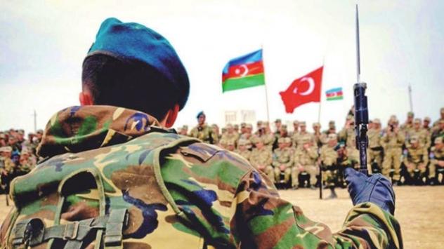 Azerbaycan'ın işgalci Ermenistan ile savaşında kullandığı Türk sistemlerin başarısı tüm dünyada konuşuluyor. Türkiye'nin savunma ve havacılık sanayii ihracat rakamları da Bakü'nün Ankara'dan bu alandaki alımlarının rekor artışını gösteriyor.