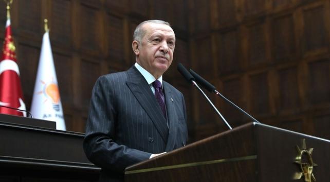 """Cumhurbaşkanı Erdoğan, """"Cumartesi günü Fatih sondaj gemimize giderek hem çalışmaları bizzat yerinde görecek hem de yeni rezerv miktarını açıklayacağız."""" dedi."""