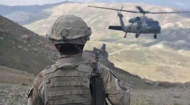 Yıldırım-5 Amanoslar Operasyonu kapsamında Hatay'ın Dörtyol ilçesi kırsalında, Hava Kuvvetleri destekli operasyonda 2 terörist silahlarıyla etkisiz hale getirildi.