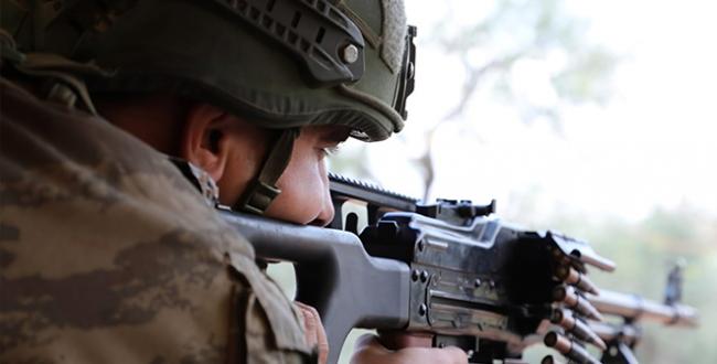 Barış Pınarı bölgesine sızma girişiminde bulunan 3 PKK/YPG'li terörist etkisiz hale getirildi.