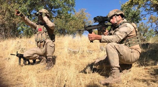 İçişleri Bakanlığı'nca Batman ve Diyarbakır kırsalında Yıldırım -14 Zori Operasyonu başlatıldı. Operasyona 1451 personel katılıyor.