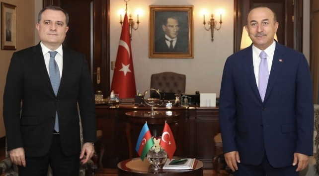 Dışişleri Bakanı Mevlüt Çavuşoğlu, Azerbaycan Dışişleri Bakanı Ceyhun Bayramov ile telefon görüşmesi gerçekleştirdi.