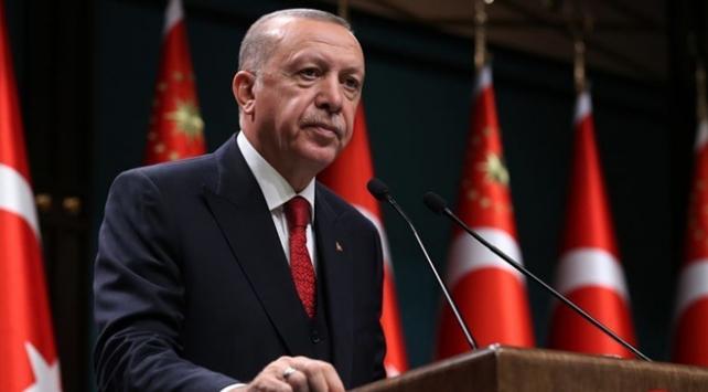 Cumhurbaşkanı Recep Tayyip Erdoğan, İzmir'de meydana gelen depremle ilgili, İzmir Büyükşehir Belediye Başkanı Tunç Soyer ile bir telefon görüşmesi gerçekleştirdi.