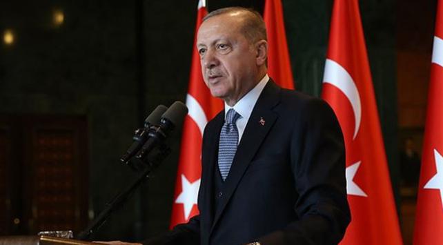 """Cumhurbaşkanı Recep Tayyip Erdoğan, """"İstanbul başta olmak üzere deprem riskinin yüksek olduğu illerde dönüşüm sürecini hızlandırmamız gerekiyor."""" dedi."""