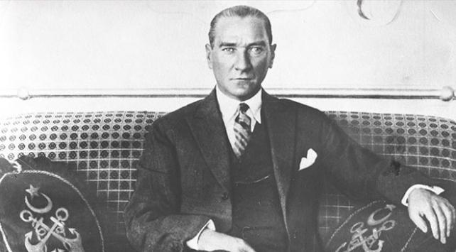 Askeri ve siyasi dehasıyla Türk ve dünya tarihine adını altın harflerle yazdıran Mustafa Kemal Atatürk, 10 Kasım 1938'de saat 9'u 5 geçe hayata gözlerini yumdu.