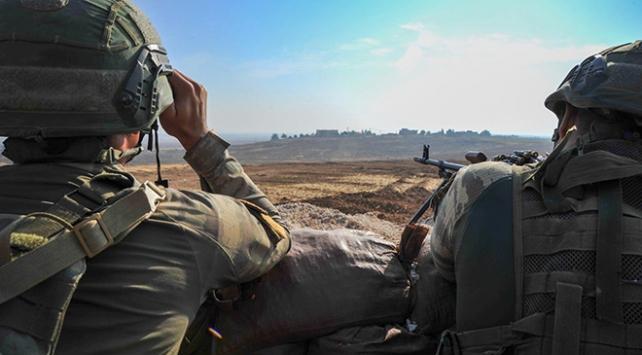 Terör örgütü PKK'da çözülme hızlandı, 4 örgüt mensubu daha ikna yoluyla teslim oldu.