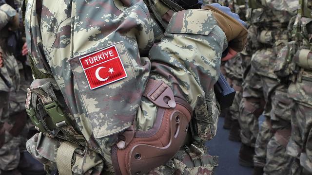 İçişleri Bakanlığı, Diyarbakır Lice kırsalında teröristlerle çıkan çatışmada, 1 jandarma personelinin şehit olduğunu, 2 jandarma personelinin yaralandığını açıkladı.