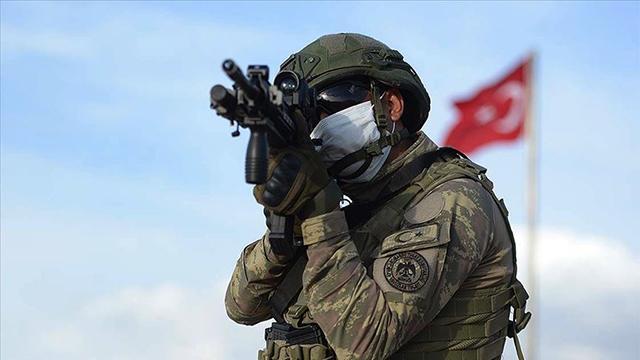 Taciz ateşi açan 4 PKK/YPG'li terörist etkisiz hale getirildi